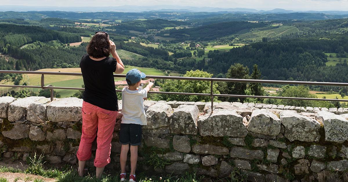 Panorama Montarcher_femme et garcon